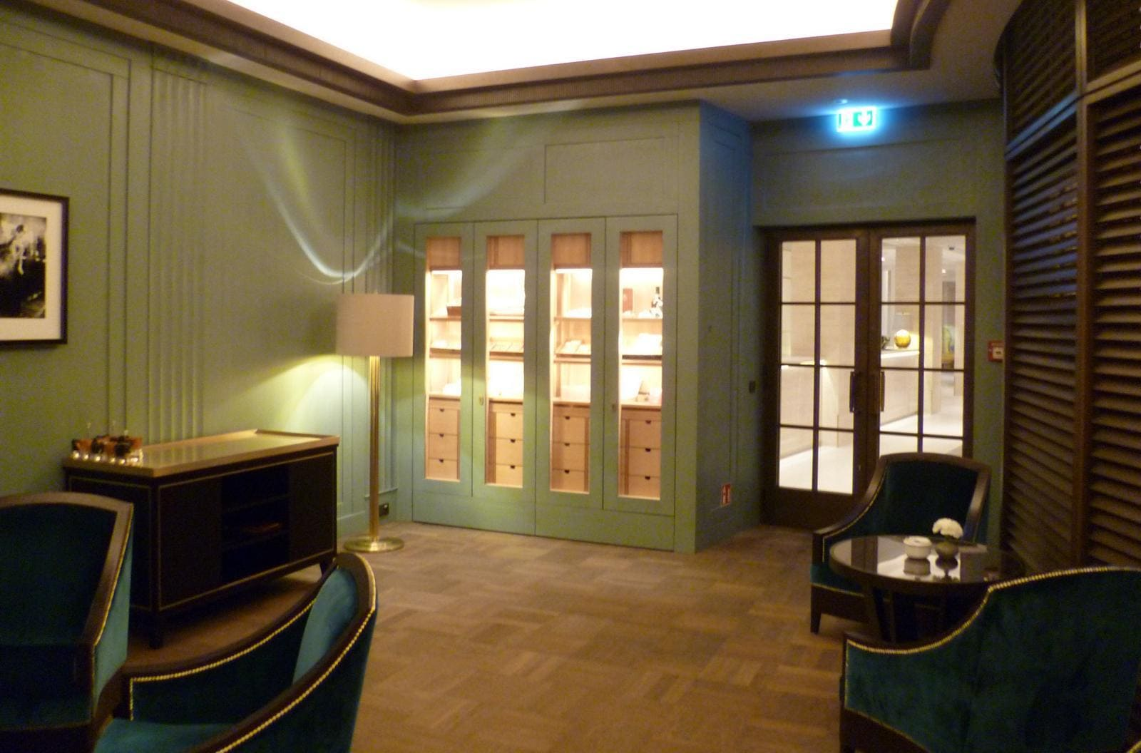 Hotel Adlon Kempinski Neue Cigarlounge Mit Original