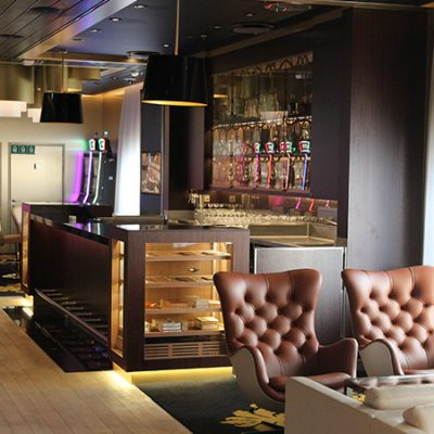 Zigarre Humidor Lounge Mein Schiff