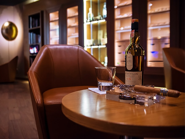 Cigar Lounges Hotel Marriott GERBER Humidor
